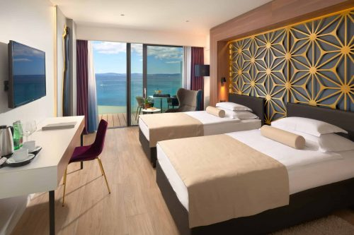 Split hotels on the Znjan beach, Amphora hotel sea view room